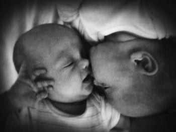 A kiss is a kiss is a kiss… Max&Manu 4 months.